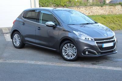 Photo Peugeot 208 Allure 1.5 Blue Hdi 100cv