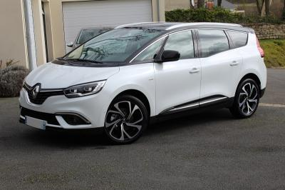 Photo Renault Grand Scenic 7 places  Bose 1.7 Blue Dci 120cv