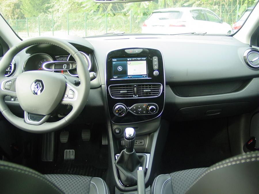 renault clio intens 0 9 tce 90cv auto direct import. Black Bedroom Furniture Sets. Home Design Ideas