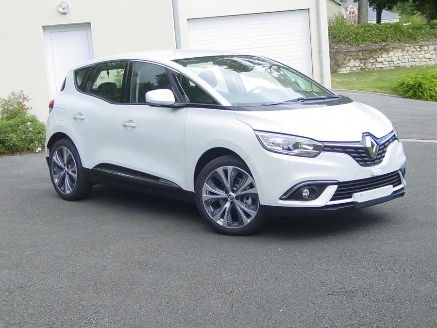 photo Renault Scenic Intens 1.6 Dci 130cv