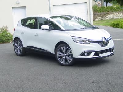 Photo Renault Scenic Intens 1.6 Dci 130cv
